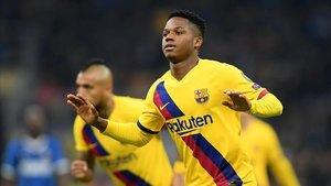 Ansu Fati anota el gol de la victoria y se convierte en el jugador más precoz de la historia de la Champions en ver puerta