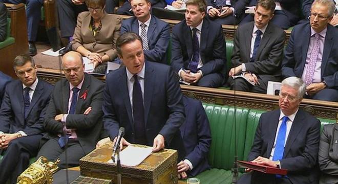 Cameron logra el apoyo del Parlamento al inicio de los bombardeos aéreos en Siria