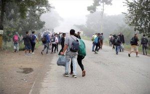 Inmigrantes hondureños tratando de llegar a los EEUU.