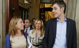 Carme Chacón i Eduardo Madina, a la sortida del Congrés, l'any passat.