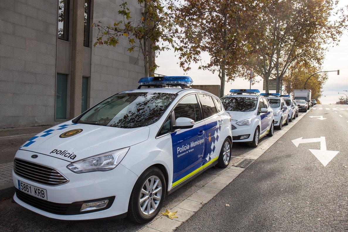 Coches patrulla de la Policia Municipal de Terrassa.