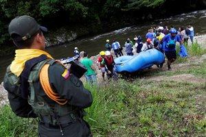 Exmiembros de las FARC durante su proceso de reinserción social en Colombia.