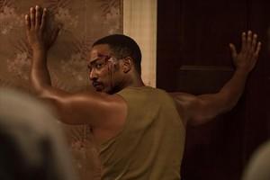 Anthony Mackie en una escena de 'Detroit', de Kathryn Bigelow.