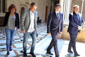 Elisenda Alemany, Xavier Domènech, Carles Puigdemont y Oriol Junqueras, el lunes pasado.