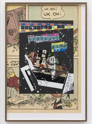 Los 17 'collages' de la serie 'Planet Stories' de Allen Ruppersberg tienen la misma estructura: el relato principal sobre un fondo negro, con retales que indican la destrucción, y de fondo una viñeta de un cómic del Tío Gilito.