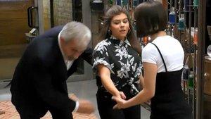 """El """"impresionante"""" tropiezo de Carlos Sobera en 'First dates': """"¡Casi me mato!"""""""