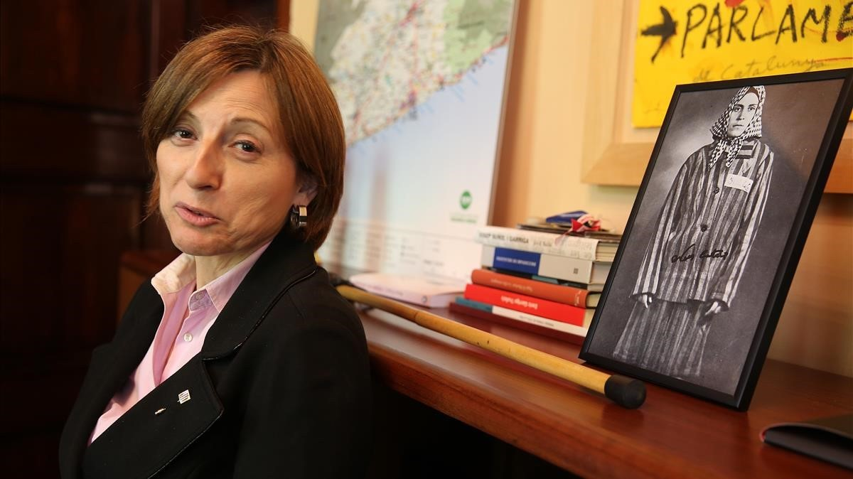 Carme Forcadell, en el despacho de la presidencia del Parlament, en abril del 2016.