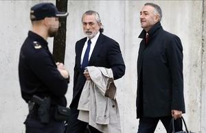 Francisco Correa llega a la Audiencia Nacional para asistir al juicio del caso Gürtel, este jueves.