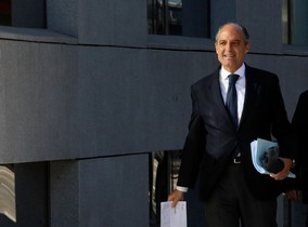"""Camps considera un """"absurd"""" el finançament irregular del PP valencià"""