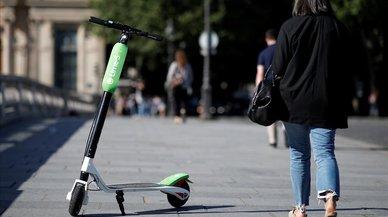 Francia prohibirá a los patinetes eléctricos circular por las aceras