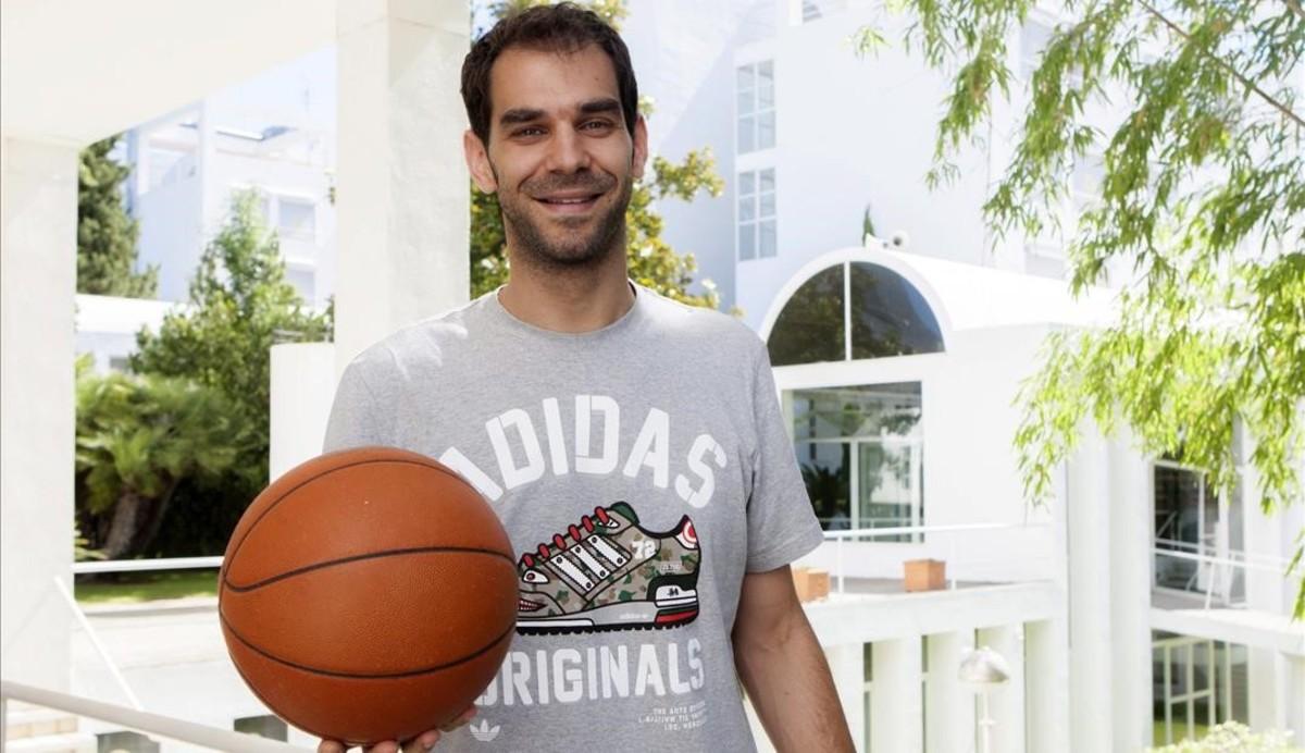 José Calderón en la presentación de su campus de baloncesto.