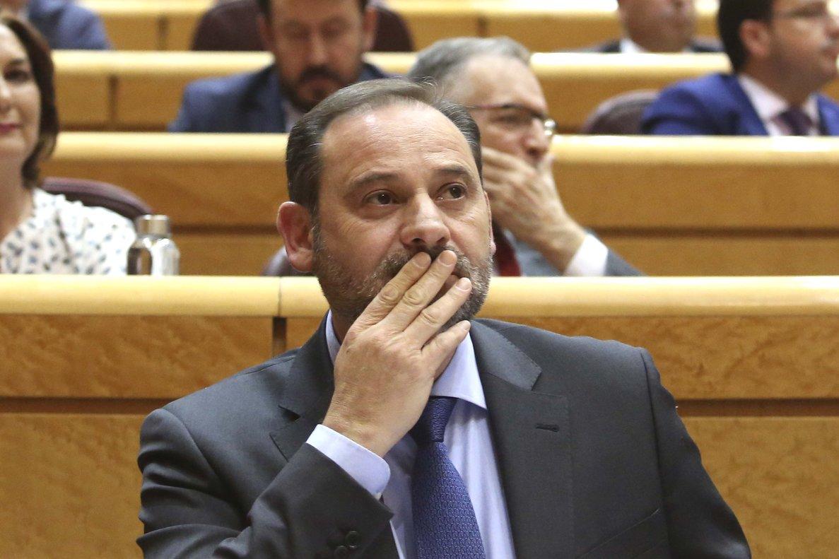 Ábalos pone en duda el Consejo de Ministros en Barcelona y la Moncloa le corrige
