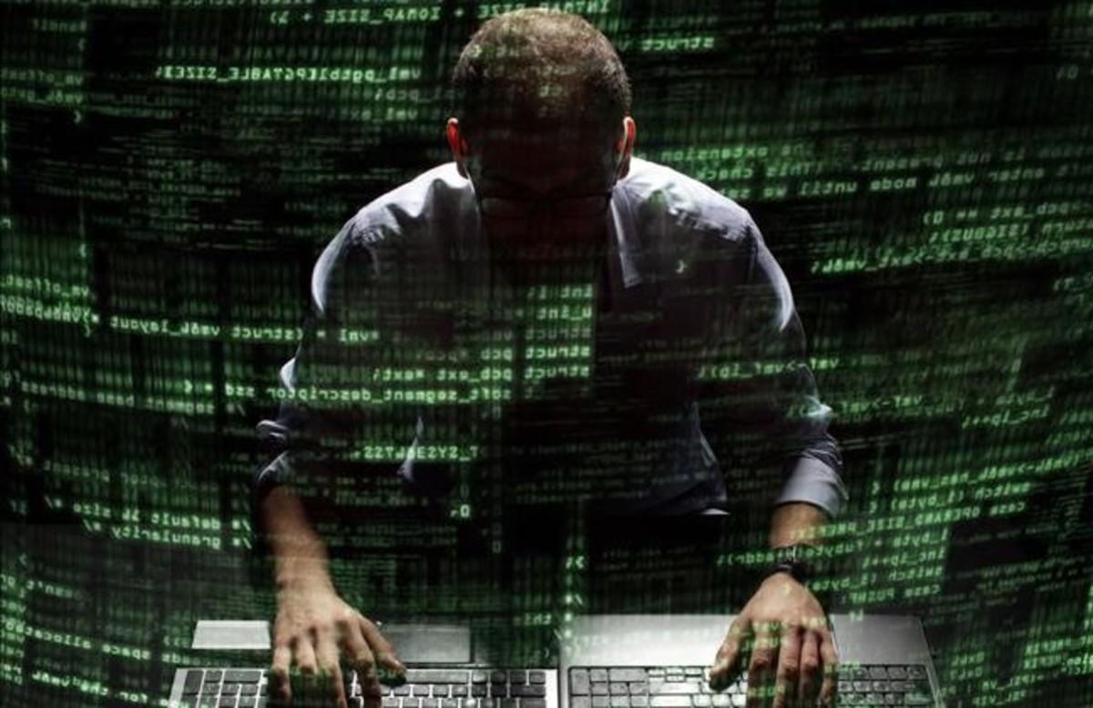 Silueta de un hacker.