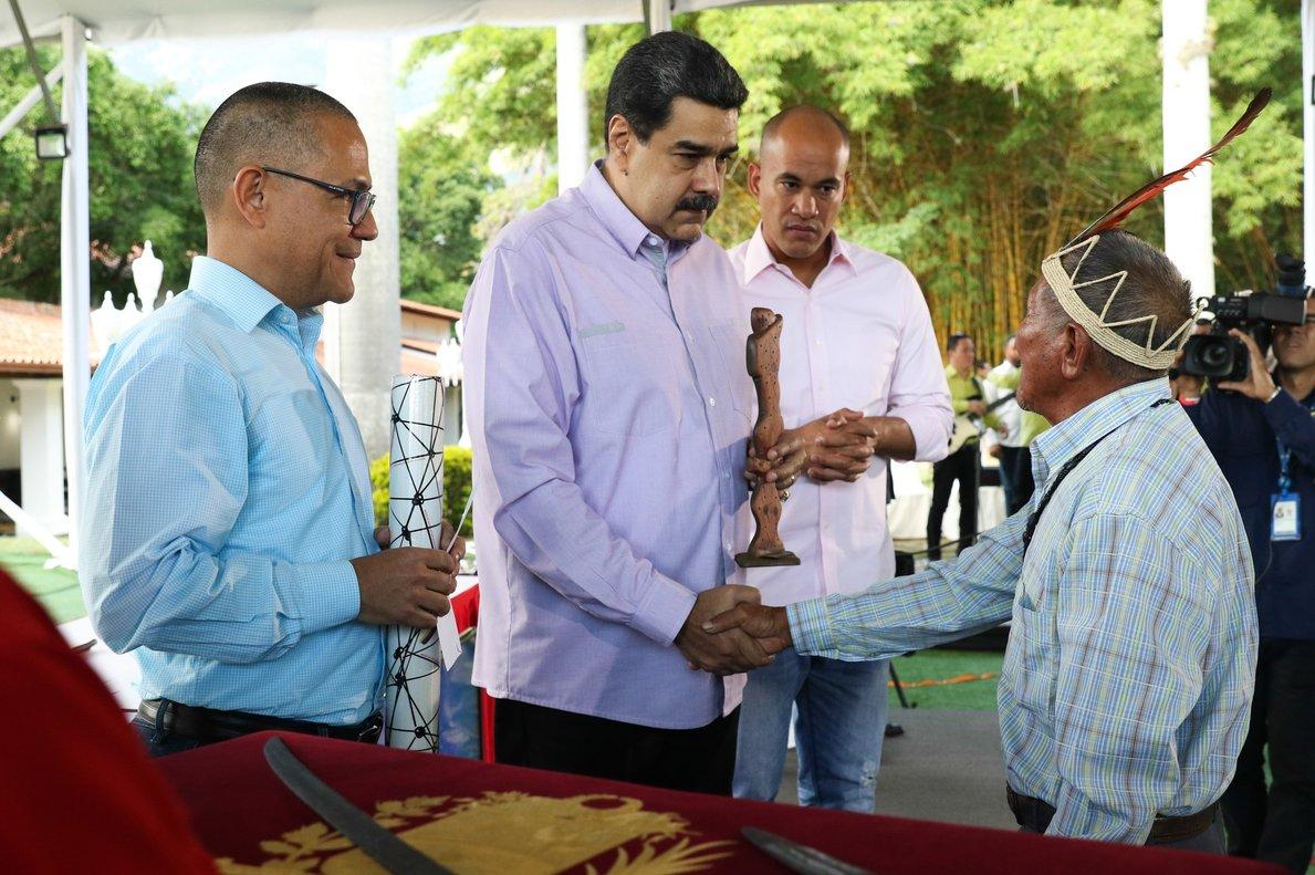 Maduro también decretó este viernes que el Día Nacional del Teatro se celebrará el 13 de noviembre.