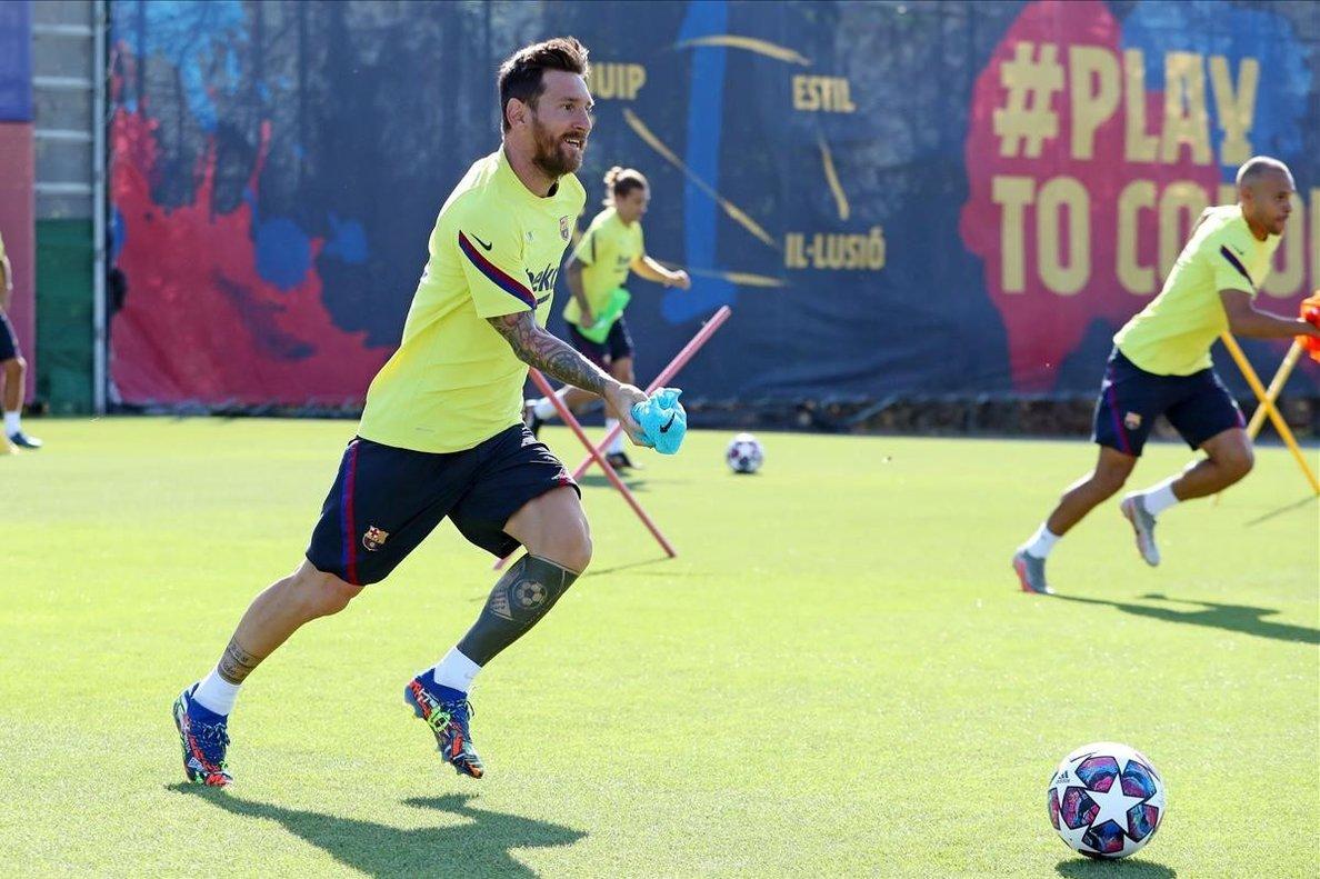 Leo Messi, en acción, en el entrenamiento del Barça previo al Nápoles