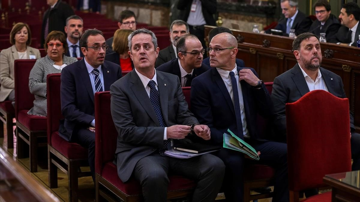 Los políticos y líderes independentistas, durante el juicio por el '1-O'.