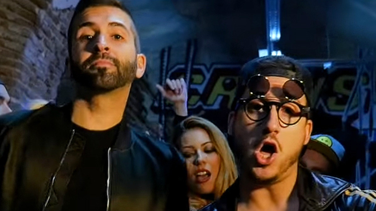 Los youtubers Keunam y Hermoti interpretan Lo cualo, su parodia del éxito Lo malo.