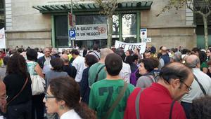 Manifestación ante el Hospital Clínic de Barcelona.