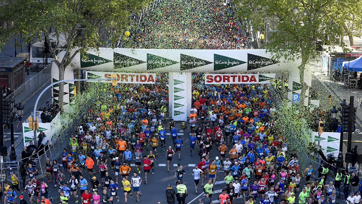 La 41 edición de la carrera más popular de la ciudad, la cursa de El Corte Inglés,reúne a más de 46.000 participantes por las calles del centro de Barcelona.