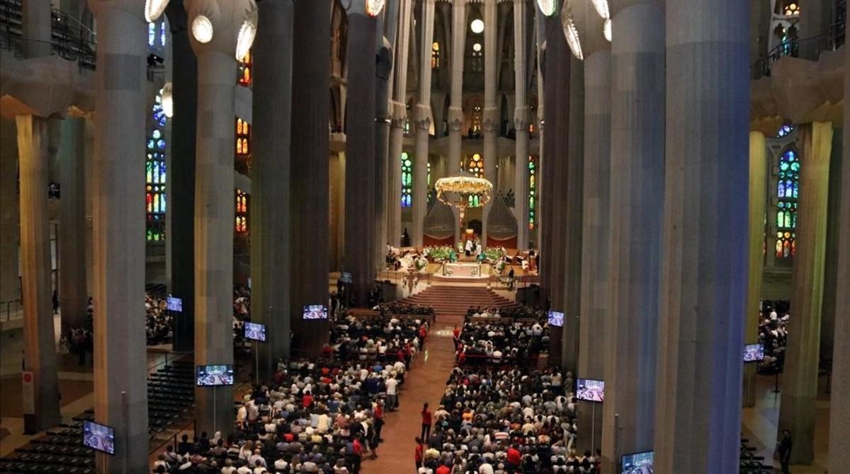 La misa en la Sagrada Familia