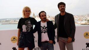 Nathalie Poza, Koldo Serra y Hugo Silva, tras la presentación de 70 binladens en Sitges