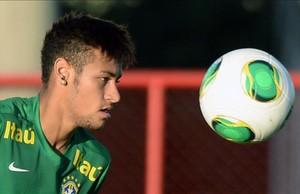 El brasileño Neymar, en un entrenamiento de su selección.