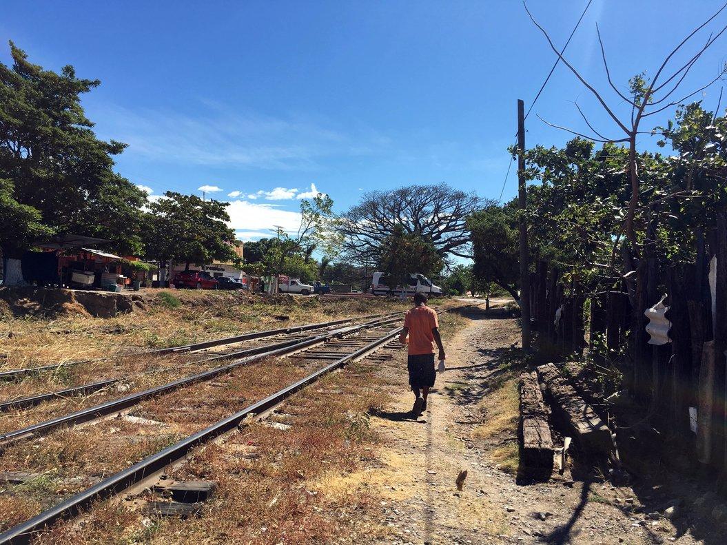 Las autoridades hondureñas realizan los trámites para repatriar a Honduras el cuerpo de Josué Arcángel.