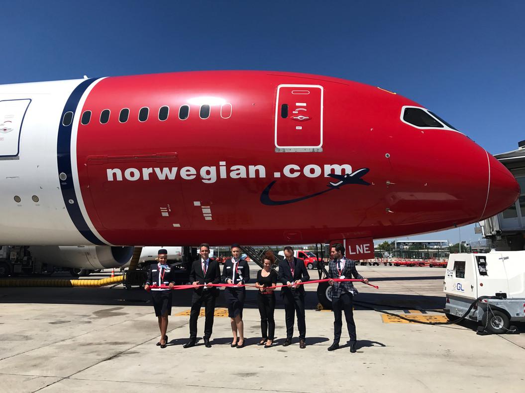 Imagen de la inauguración del vuelo de Barcelona a Miami de Norwegian Airlines desde el aeropuerto del Prat.