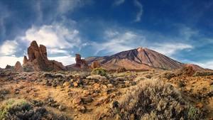 Parque nacional del Teide, el más amenazado junto con Doñana.