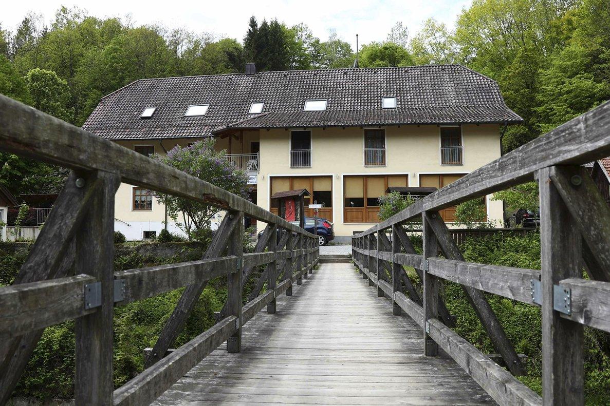 La pensión de Baviera donde se encontraron tres cadáveres el pasado sábado.