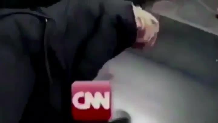El polémico video colgado en Twitter por el presidende de EEUU, Donald Trump.