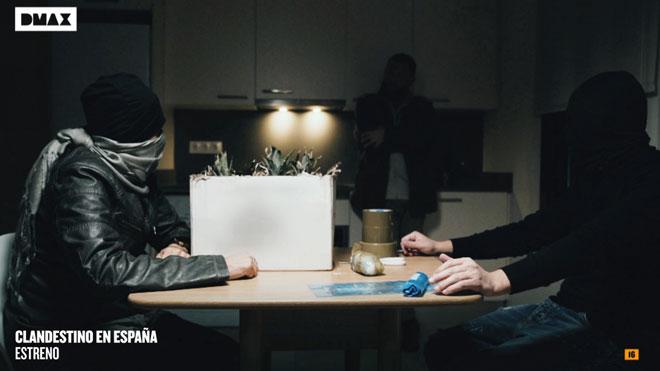 Promoción del programa de DMAX 'Clandestino en España', con David Beriain.