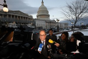Quim Torra, a las puertas del Capitolio, en Washington.