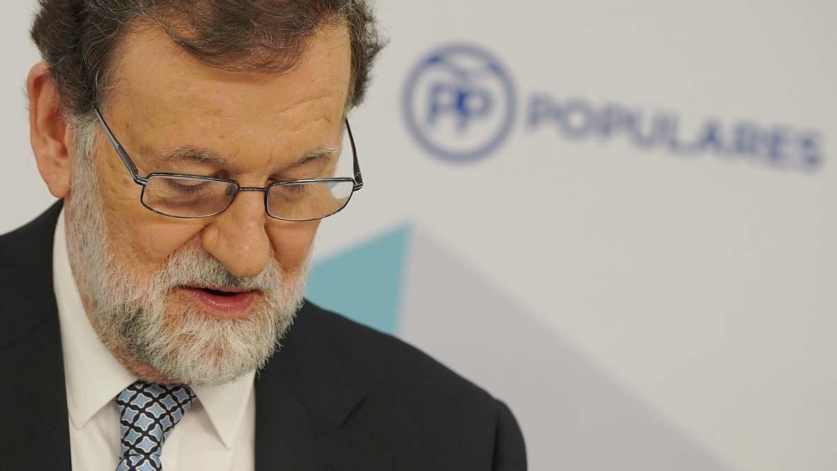 Es lo mejor para mí, para el partido y para España, asegura emocionado ante su Comité.