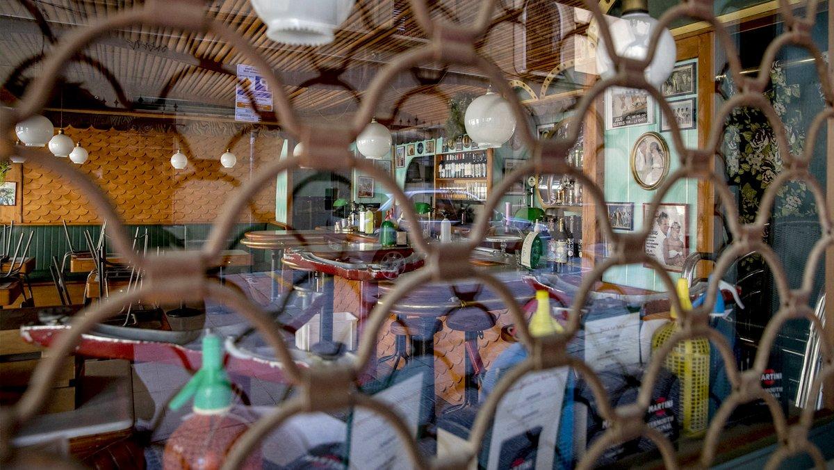Un restaurante cerrado por la crisis de la covid-19.