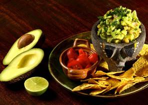 Nachos con guacamole del restaurante Santísimo Agave.