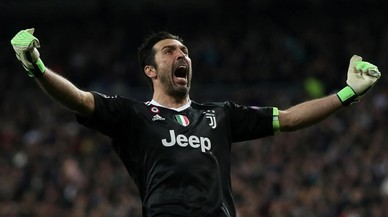 """Buffon: """"Aquest àrbitre té un bidó d'immundícia en comptes de cor"""""""