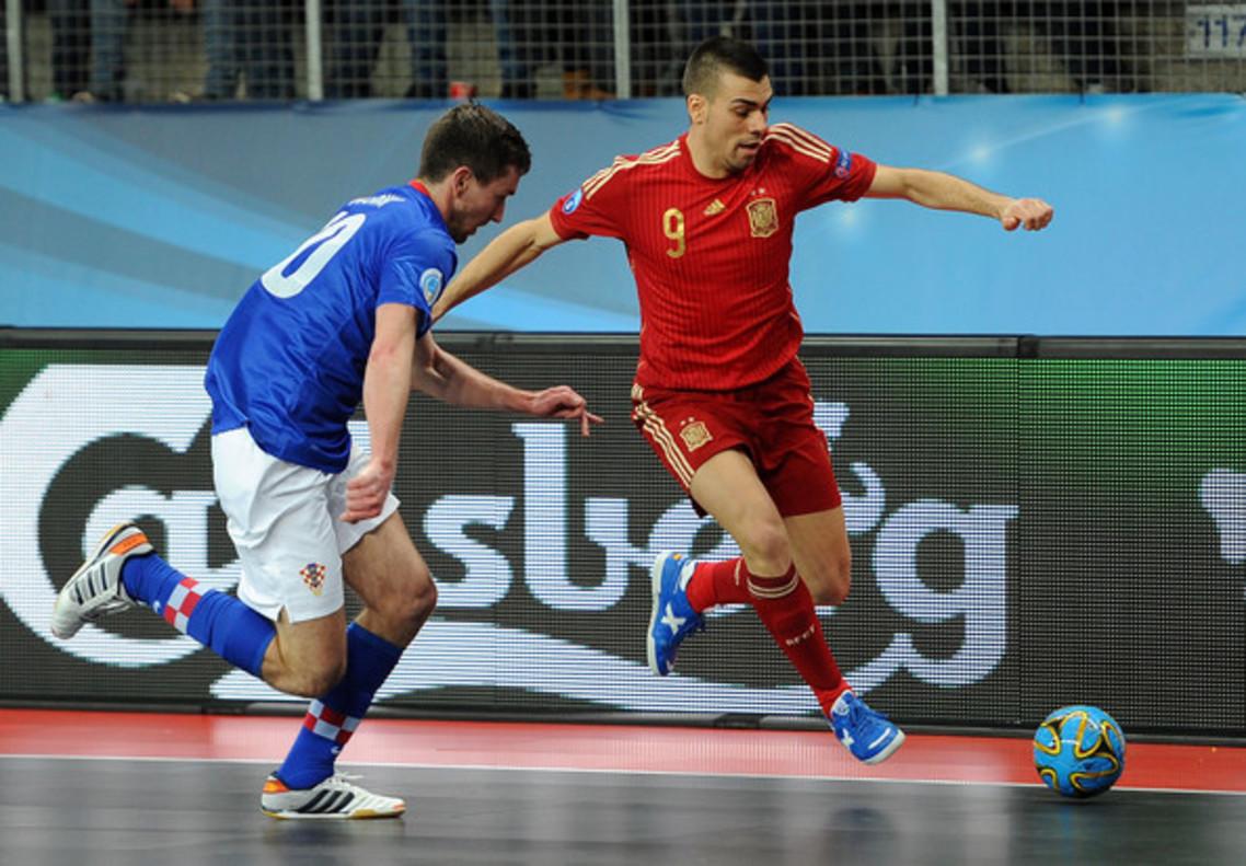 Sergio Lozano vuelve a la selección.