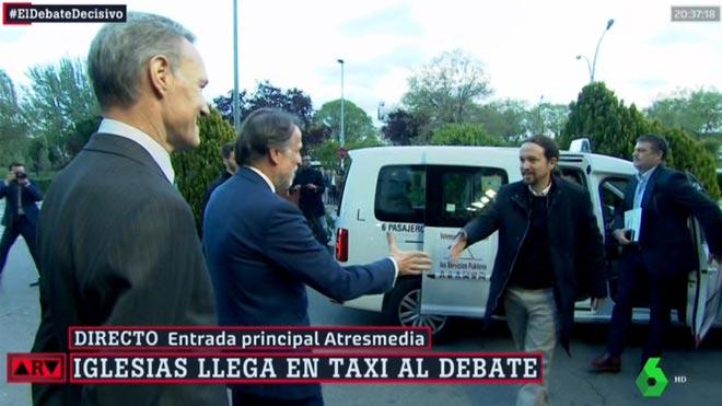 Pablo Iglesias conquista el cel amb taxi