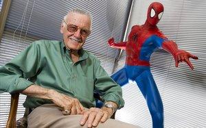 Stan Lee, creador de Spiderman, Hulk, y otros superhéroes.