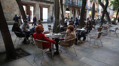 58 mesas y solo 16 licencias: la guerra de las terrazas en Ciutat Vella