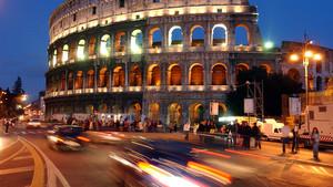 Tráfico en Roma.