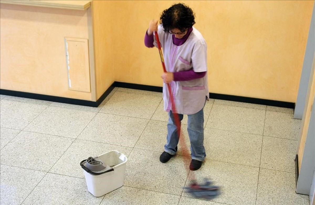 Una empleada del hogar en Barcelona.