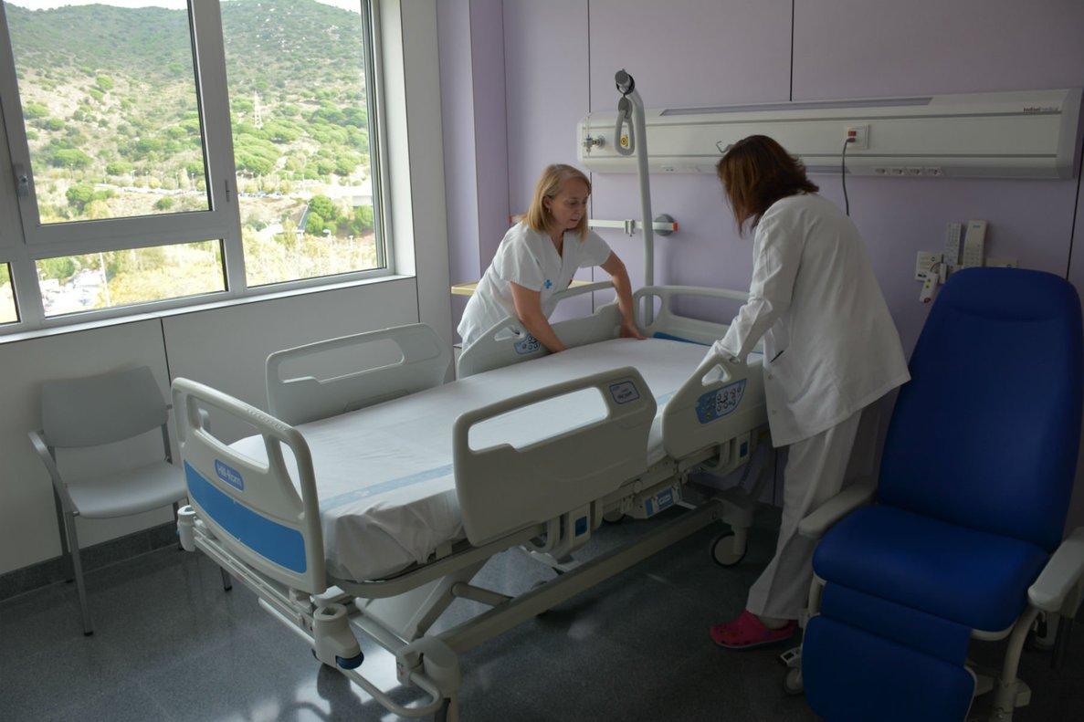 Una habitación de la nueva área de Ginecología y Obstetricia del Hospital Germans Trias de Badalona.