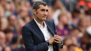 Valverde, en un momento del Barça-Huesca en el Camp Nou.