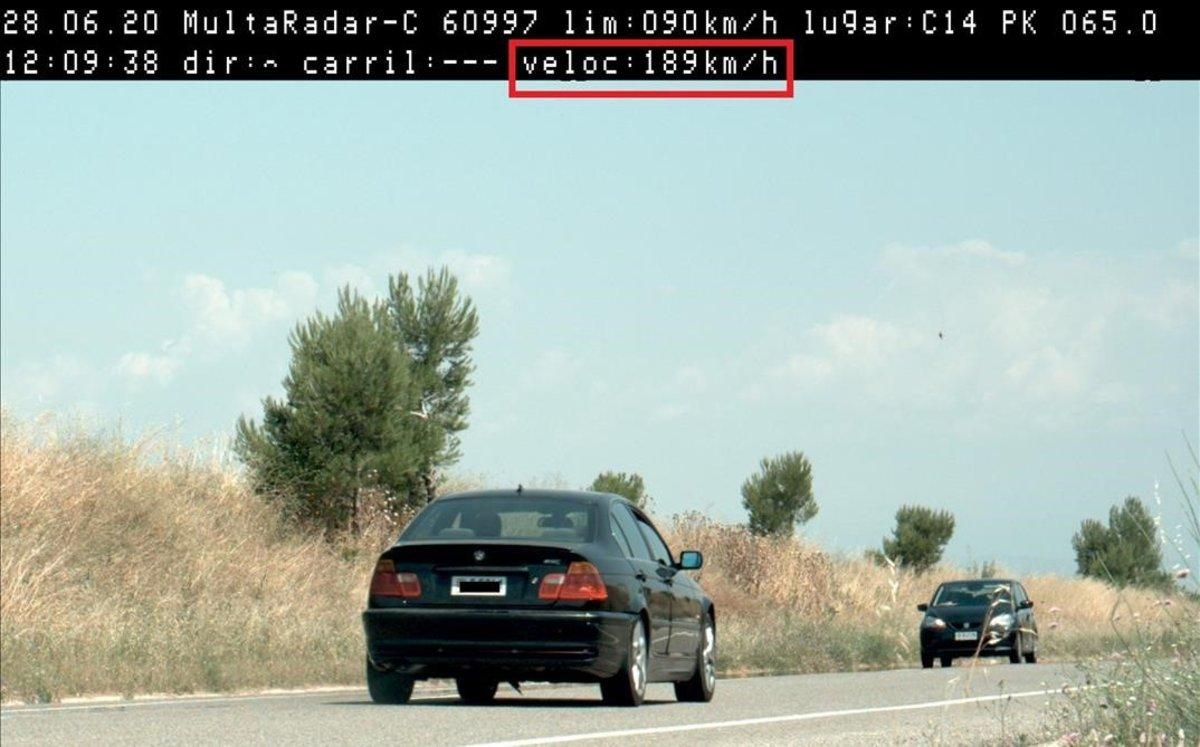 El vehículo circulaba a 189km/h en la C-14.