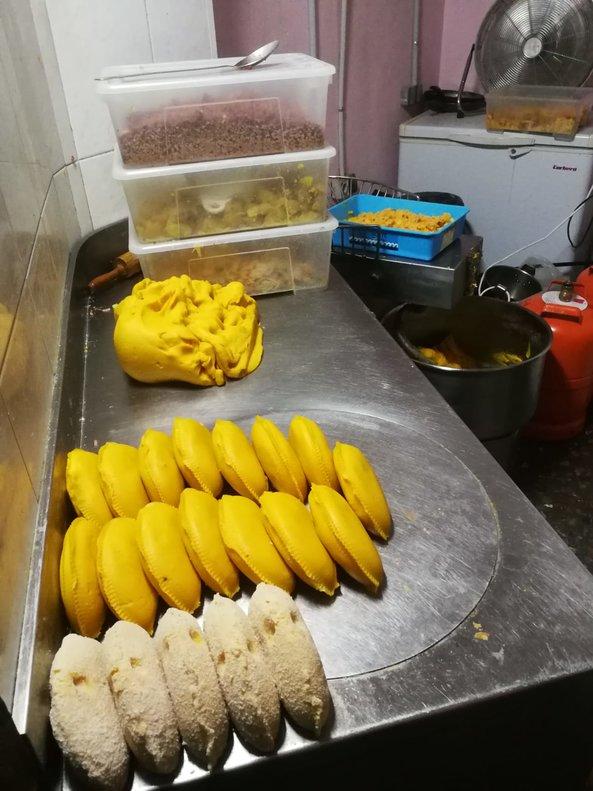 El establecimiento acumulaba alimentos en mal estado de conservación y operaba en un estado general de falta de higiene.
