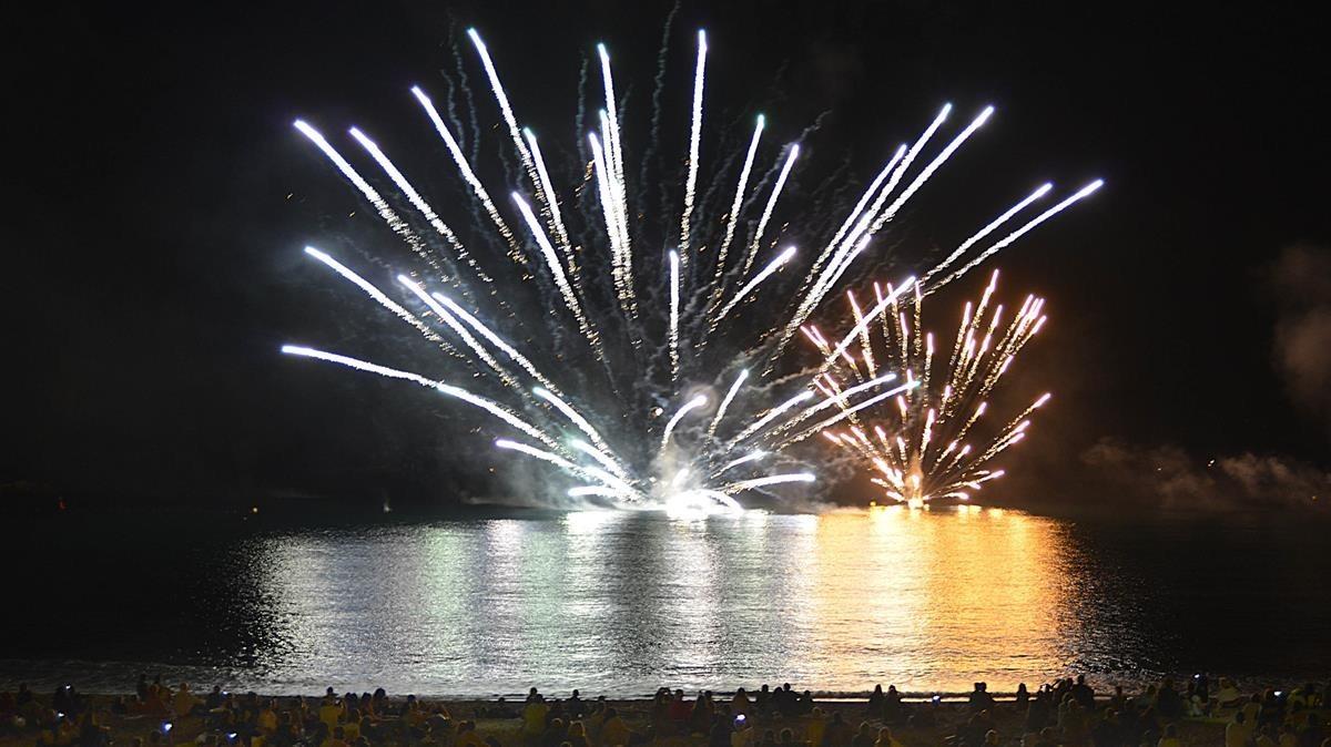 zentauroepp40267714 23 9 2017 fiestas de la merce fuegos artificiales en la barc170925125925
