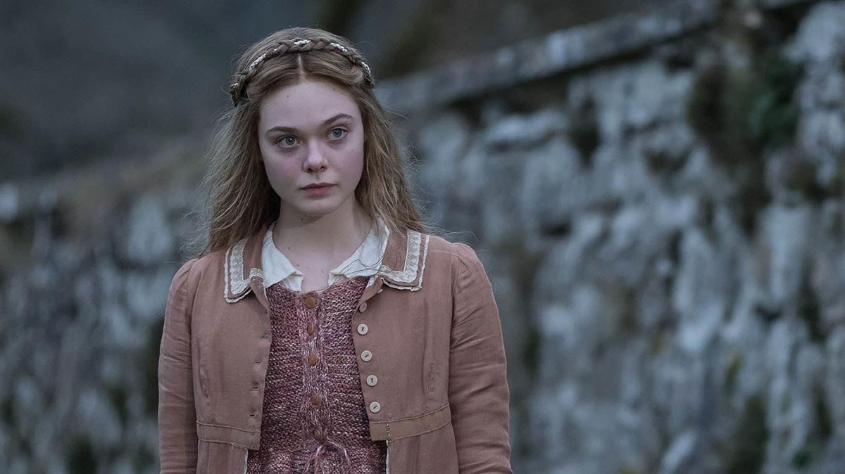 ElleFanning comoMary Shelley en el filme sobre la autora de Frankenstein.