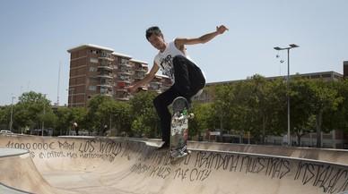 Nou Barris denuncia el abandono de su reivindicada pista de 'skate'